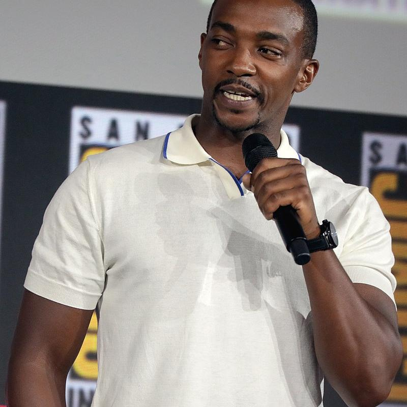 Anthony Mackie (fonte: it.wikipedia.org).